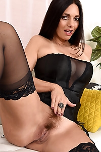 Mindi Mink in her sexy lingerie
