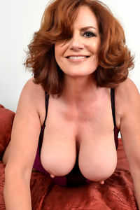Pretty mature milf
